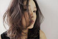 春夏のトレンドカラーはブラック!シックなコーディネートに似合うヘアスタイルとは…?