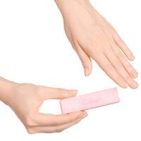 自宅で簡単シンプルネイルケア。サロン帰りのような美爪を手に入れよう