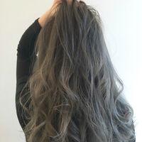 アッシュグレーこそ今ドキ大人の髪色♡ブリーチなしでも旬カラーを実現♪