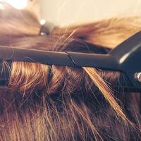 【保存版】ヘアアイロンの最適温度は?仕上がりやパーツ別の髪を傷めない使い方