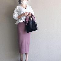 くすみパープルは万能差し色♡いつもの服がフェミニンにアップデート