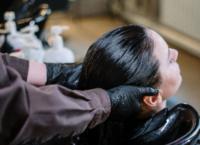 頭皮マッサージの効果って?肌も髪もケアできる方法は?