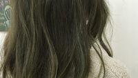 マットアッシュの髪色はブリーチなしでもナチュラルでおしゃれ♡