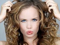 くせ毛はどうして発生する?その理由と自宅での髪質改善方法を紹介!