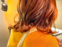 オレンジカラーで旬のスタイルを提案します。ワンブリーチすることで彩度も柔らかさもUP♡