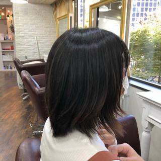 流し前髪 ナチュラル ショート ショートボブヘアスタイルや髪型の写真・画像