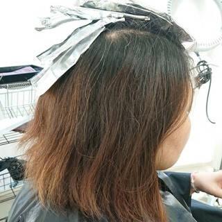 ピンク デザインカラー ストリート 簡単スタイリングヘアスタイルや髪型の写真・画像