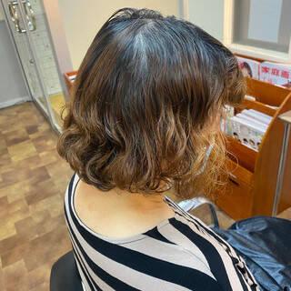 ショート レッド ナチュラル ショートヘアヘアスタイルや髪型の写真・画像
