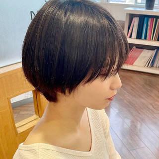 ショートボブ フェミニン ハンサムショート マッシュショートヘアスタイルや髪型の写真・画像