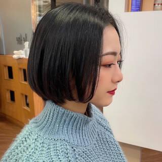 ショートヘア フェミニン ショート ショートボブヘアスタイルや髪型の写真・画像