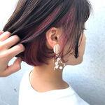 髪色候補にしてみない?ピンクのさりげなインナーカラーで甘ずっぱいスパイスを♡