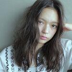 【レングス別】憧れの海外モデルを目指すなら、外国人風のウェット&ウェーブヘア!