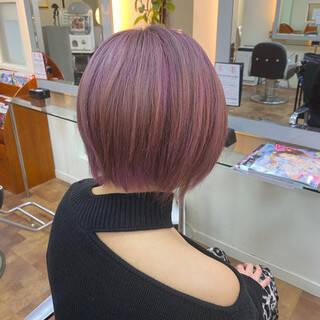 ピンクアッシュ ショートヘア ラベンダーピンク ピンクバイオレットヘアスタイルや髪型の写真・画像