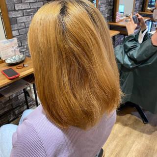 透明感カラー ピンクベージュ 切りっぱなしボブ ブリーチ必須ヘアスタイルや髪型の写真・画像