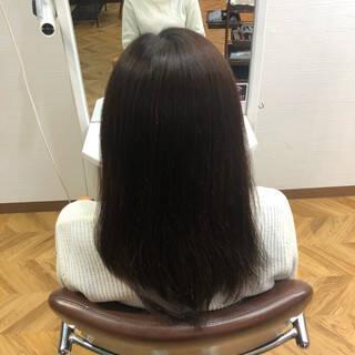 アッシュベージュ セミロング ナチュラルグラデーション グラデーションヘアスタイルや髪型の写真・画像