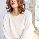 【最新髪型】トレンド夏カラーでモテるミディアムスタイルはコレ♡