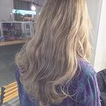 ハイトーンカラー旋風。ホワイト×ブラウンで夏髪が決まる