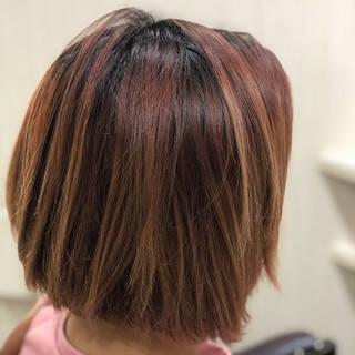 ピンクベージュ ピンクブラウン ミニボブ フェミニンヘアスタイルや髪型の写真・画像