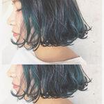 次のヘアカラーは、ブルーブラックへシフト!透明感を手に入れよう
