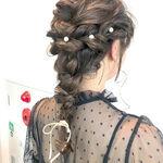 結婚式は髪型でおしゃれしよう!可愛くなれるセルフアレンジも紹介♪