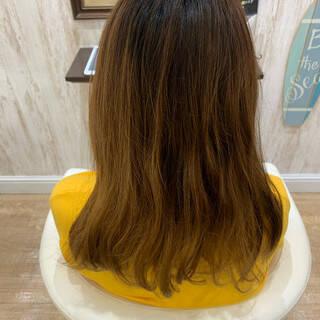 紫 ミディアム グラデーションカラー ピンクバイオレットヘアスタイルや髪型の写真・画像