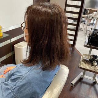 ミディアム 最新トリートメント トリートメント 艶髪ヘアスタイルや髪型の写真・画像