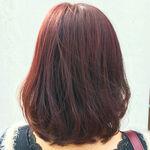 髪色をレッドブラウンにして女性らしさもアップ!派手になり過ぎない優秀カラー