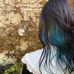 """オシャレ感引き出す""""ブルーブラックカラー""""で憧れの透明感のある髪色へ"""