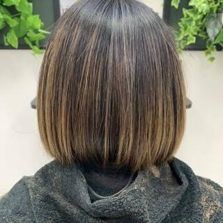 ピンクベージュ バレイヤージュ 外国人風カラー ラベンダーピンクヘアスタイルや髪型の写真・画像