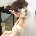 結婚式はヘアアクセで華やかに♡選び方&お呼ばれアレンジまで紹介