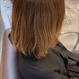 コーラルピンク ショート 前下がりショート コーラルヘアスタイルや髪型の写真・画像