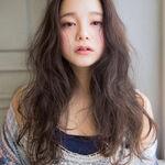 ゆるふわ可愛い名古屋巻きで女子力アップ!縦巻きを上手にやるコツも紹介