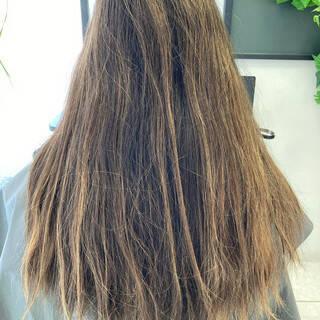 グレージュ ナチュラル イルミナカラー ミルクティーベージュヘアスタイルや髪型の写真・画像