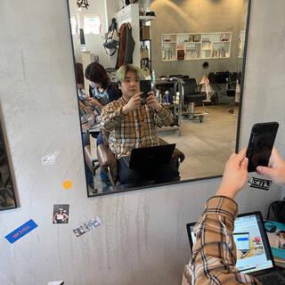 アッシュ ブルーアッシュ ハイトーンカラー 派手髪ヘアスタイルや髪型の写真・画像
