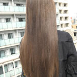 髪から優しい雰囲気に♡美人度をあげるならアッシュベージュ