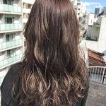 次の髪色はこれに決まり♡トレンドのアッシュグレーにしてみよう!