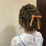 お呼ばれヘアはセルフでハーフアップに!結婚式にぴったりアレンジ集