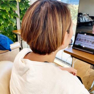 簡単スタイリング ショートヘア ミルクティーグレージュ ショートボブヘアスタイルや髪型の写真・画像