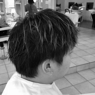 刈り上げ ナチュラル メンズカット メンズヘアヘアスタイルや髪型の写真・画像