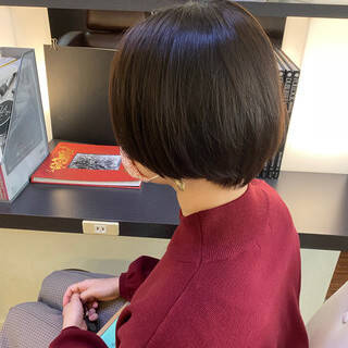 パーマ ショートボブ モード ランダムカールヘアスタイルや髪型の写真・画像