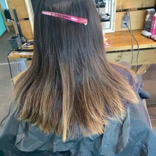 エアータッチ バレイヤージュ カーキ セミロングヘアスタイルや髪型の写真・画像