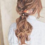 簡単まとめ髪アレンジ術!大人の抜け感ヘアといえば「ゆるふわのまとめ髪」