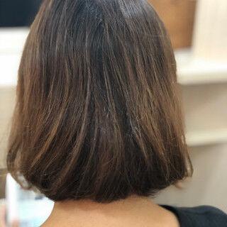 セミロング ピンクベージュ 切りっぱなしボブ ピンクヘアスタイルや髪型の写真・画像