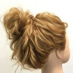 セミロングは、まとめ髪でバージョンアップ!マンネリにならないまとめ髪特集