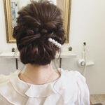 結婚式のヘアアレンジって悩む!失敗しない簡単&こなれ見せするポイント