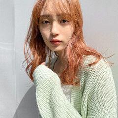 ハイトーン 無造作ヘア ラベンダーピンク ベリーピンク ヘアスタイルや髪型の写真・画像