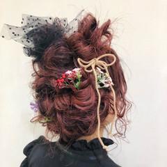ラズベリーピンク セミロング 成人式カラー 成人式ヘア ヘアスタイルや髪型の写真・画像