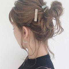 おだんご ミディアム ナチュラル アップ ヘアスタイルや髪型の写真・画像