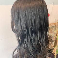 ナチュラル ロング 透明感カラー シアーベージュ ヘアスタイルや髪型の写真・画像