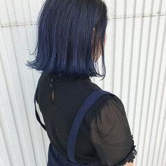 暗髪 ダブルカラー ブルー 切りっぱなし ヘアスタイルや髪型の写真・画像